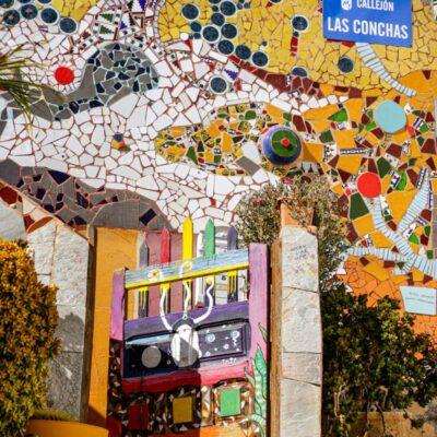 Murales in mattonelle colorate a Mogan